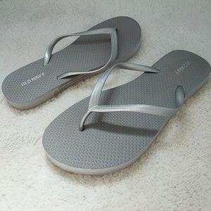Old Navy Gray Silver Flip Flops